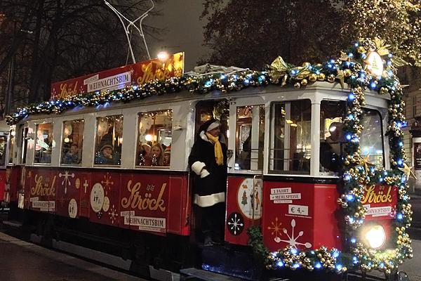 Christmas Streetcar